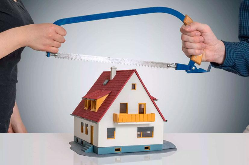 Кто занимается разделом имущества при разводе